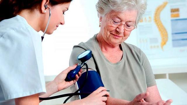 К какому врачу обращаться при повышенном давлении у ребенка